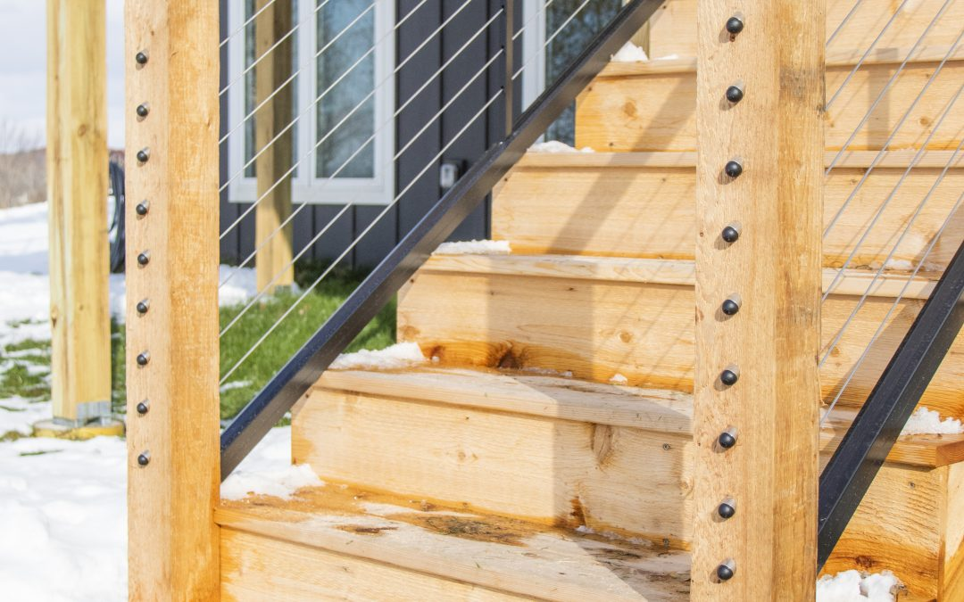 The Porch Debate: Traditional Wood Decking vs PVC & Wood Composite